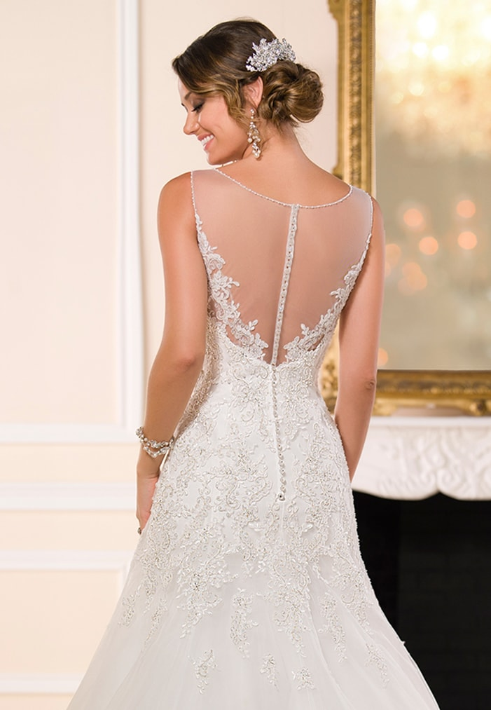 6021 stella york 2015 2 wedding dresses sussex wedding for Wedding dress shops york